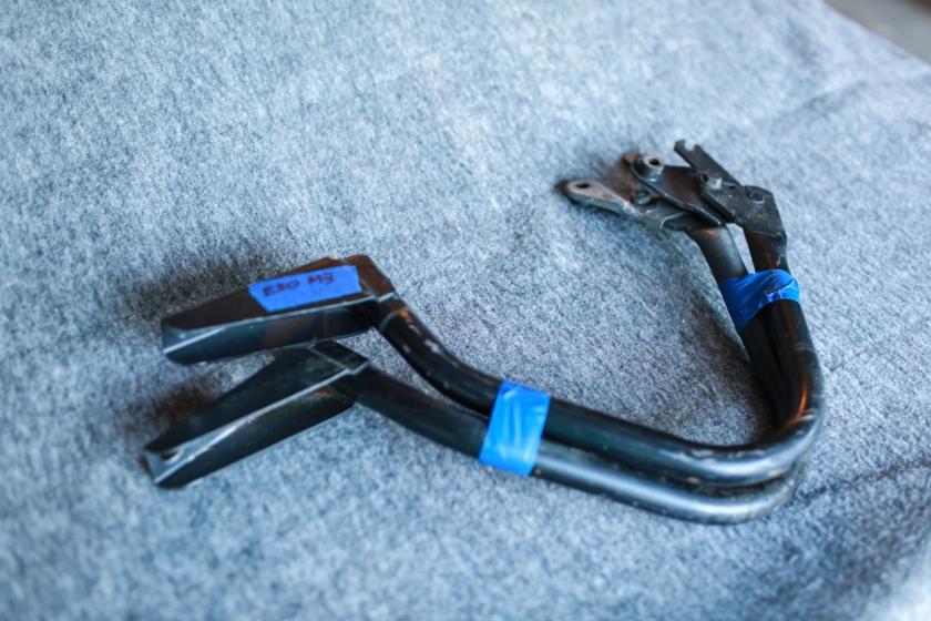Trunk Hinges E30 M3.jpg